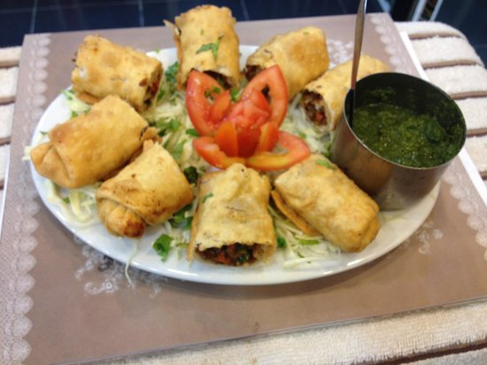 Live India Indian Restaurant: Spring roll