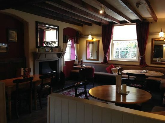 The Hanmer Arms: Lounge