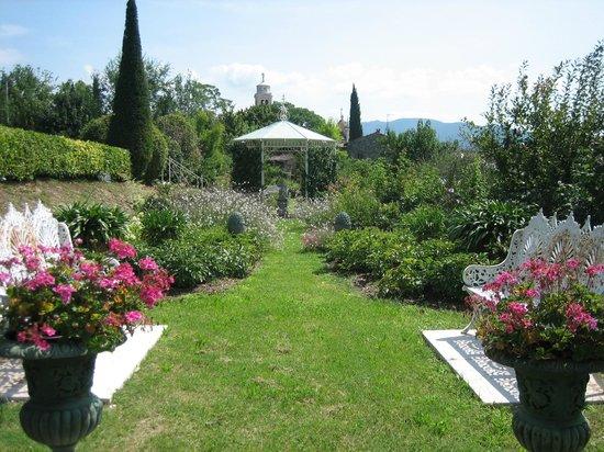 Giardino di giove foto di il giardino di casa biasi pesina tripadvisor - Foto piccoli giardini casa ...