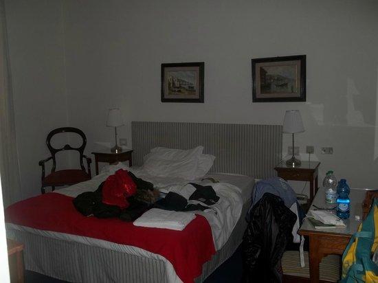 Hotel Il Poeta Dante : Habitación principal