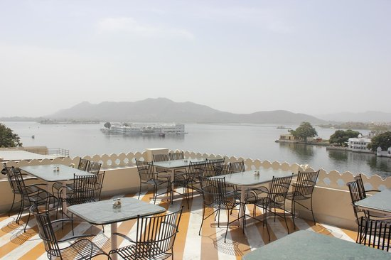Jaiwana Haveli Roof Top Restaurant: view from restaurant