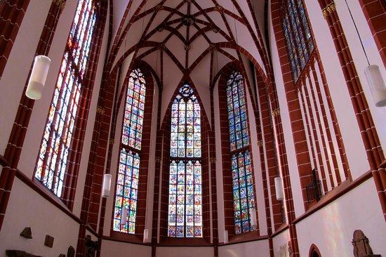 St. Katharinen: Витражи