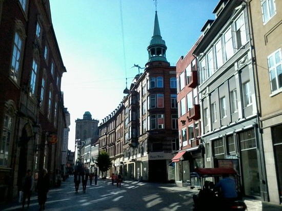 Hotel Windsor: La rue piétonne de Kobmagergade prolongeant Frederiksborggadde