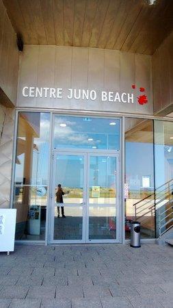 Juno Beach Centre: Main entrance