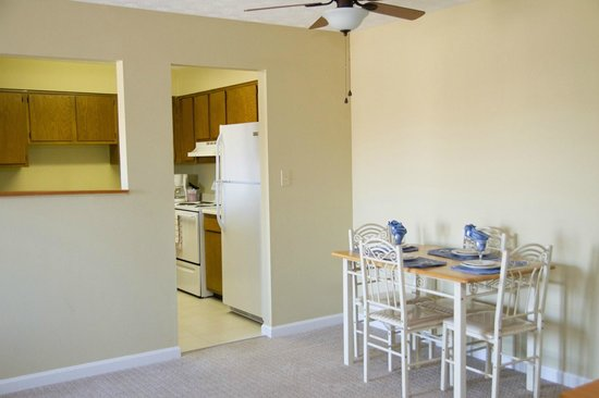 Tanglewood Golf Course and Condos: Dining/Kitchen