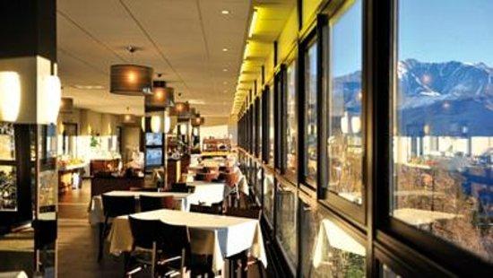 """Village Vacances VTF """" L'Ouka"""" : Salle de restaurant"""