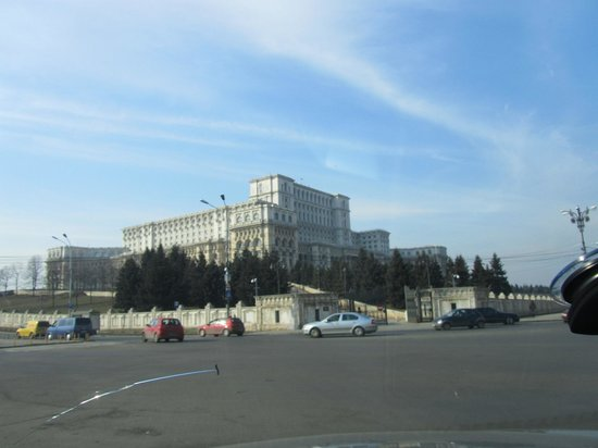 JW Marriott Bucharest Grand Hotel : People's Palace