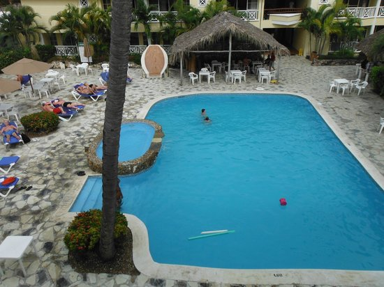 whala!bavaro: The big pool