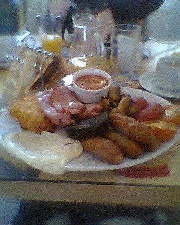 St Michael's Guest House: Ed & Jan's Big Breakfast!