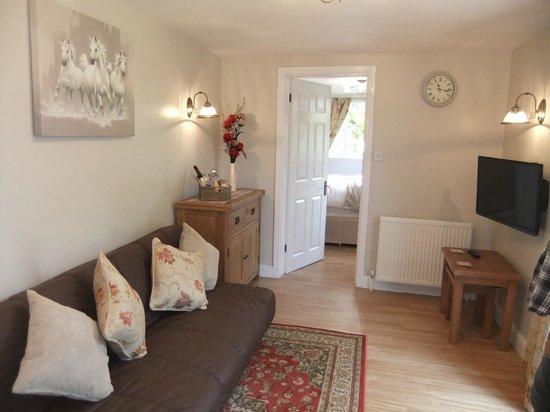 Sheephouse Manor: Cottage 5, lounge
