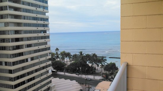Alohilani Resort Waikiki Beach: View from our room.