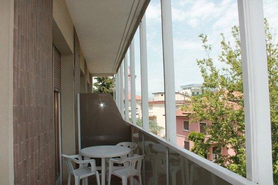 Hotel Parioli: Балкон огромный!