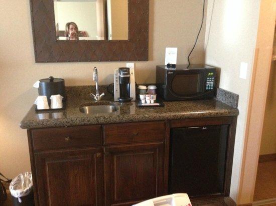 Hilton Garden Inn Salt Lake City Downtown: fridge, micro, coffee maker