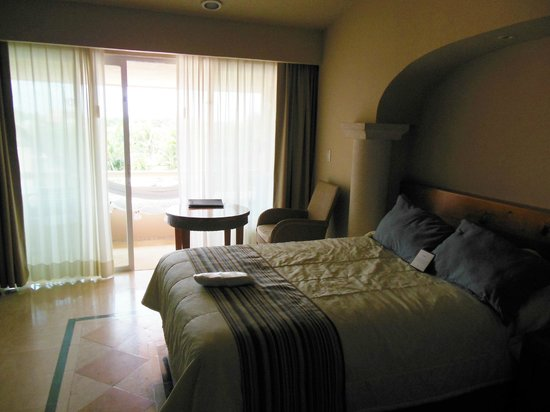 Omni Puerto Aventuras Beach Resort : room