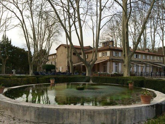 Moulin de Vernegues Chateaux Hotels Collections: bâtiment principal