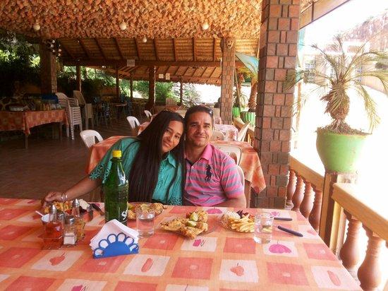 Laguna Angostura: Comendo cabañitas no restaurante lago do Edem (Angustura)