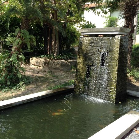 Dreams Villa Resort: Water feature where new restaurant and bar will be