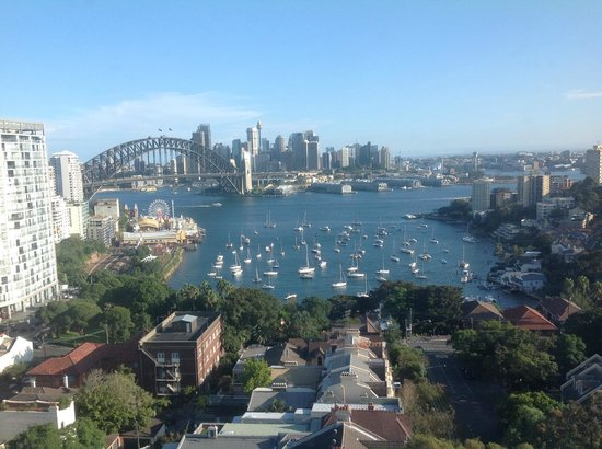 North Sydney Harbourview Hotel: what a way to start the day