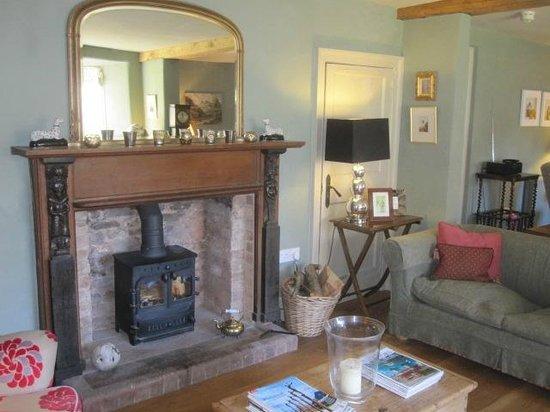Cross Lane House: comfortable lounge