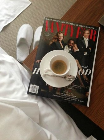 The Langham New York Fifth Avenue : complimentary nespresso and drinks in your room