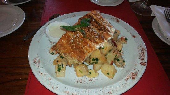 Doña Maria Restaurante: Salmon....insulso...olvidableeee