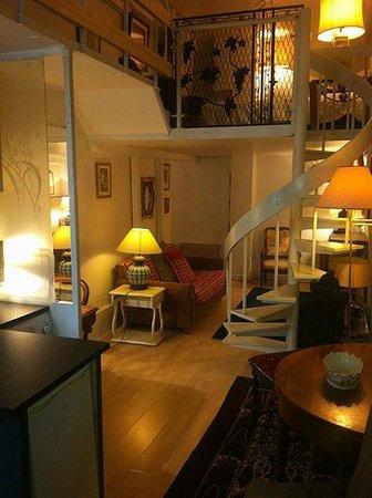 Maison Hotel : Salon
