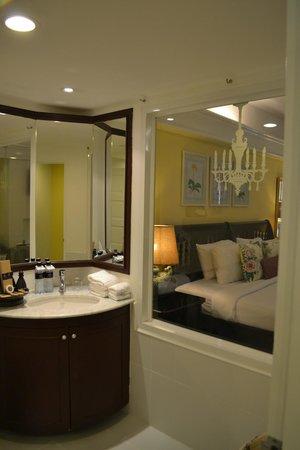Thavorn Palm Beach Resort: комната