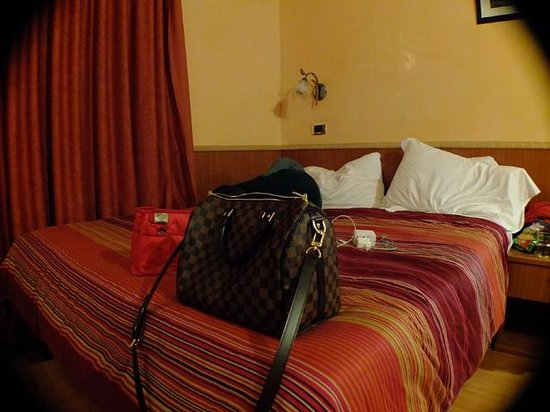 Cesare Balbo Inn : The Bed