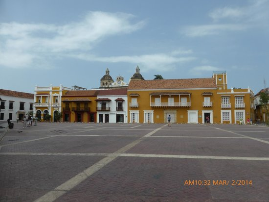 Cartagena Tour Dora De Zubiria Main Square Old Town