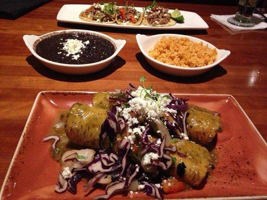 Cantina Laredo: Taco, Burrito, Pinto Beans and Rice