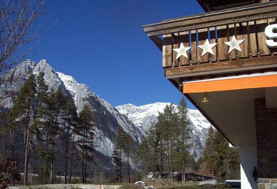 Hotel Pensin Shweizerhof surroundings