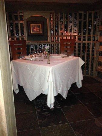 Mountain View Grand Resort & Spa: Wine Cellar