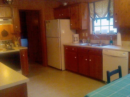 The Red Corral Ranch : The kitchen/dining room
