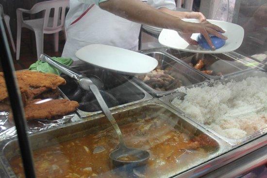 Arvi Park: Buffet style cafeteria