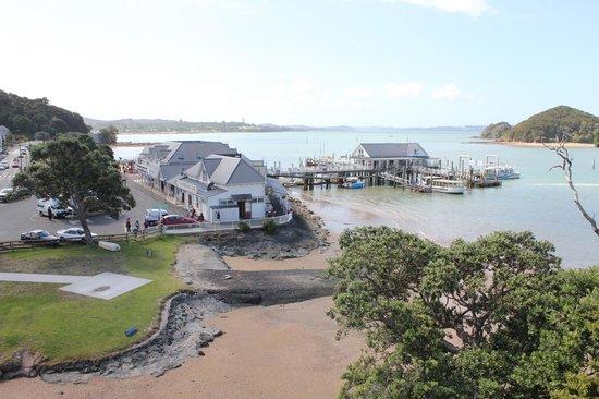 Paihia Harbour : Wharf area in Paihia.