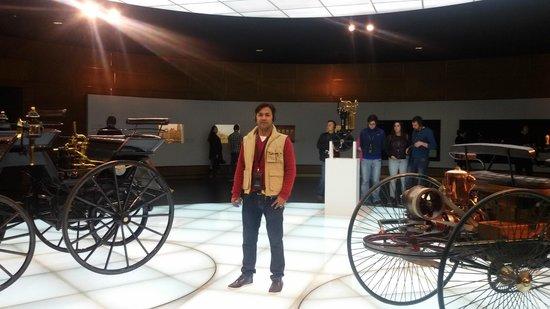 Mercedes-Benz Museum: aa