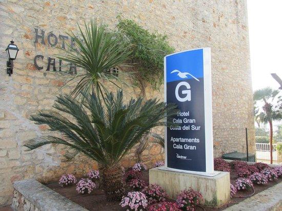 Gavimar Cala Gran Costa del Sur Hotel & Resort: front of hotel