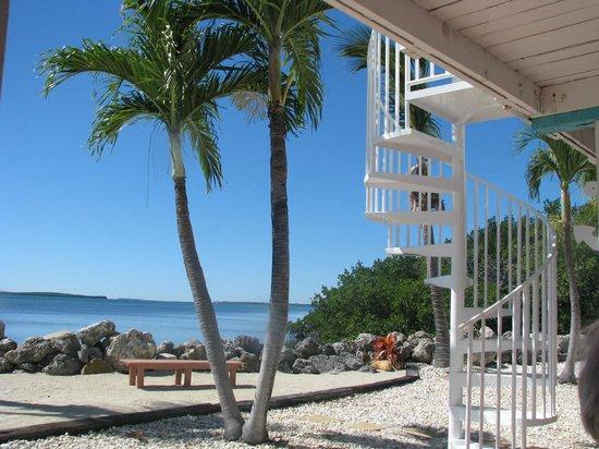 Kawama Yacht Club : Outside spiral stairs