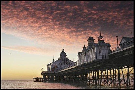 Eastbourne Reymar: Eastbourne Pier