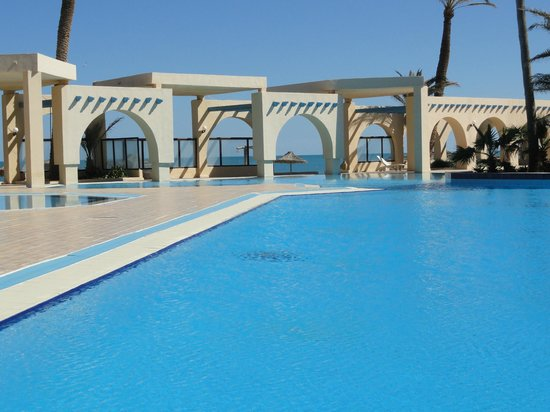 Zita Beach Resort: piscine