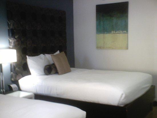 Lotus Boutique Inn & Suites Daytona Beach / Ormond Beach: comfy bed