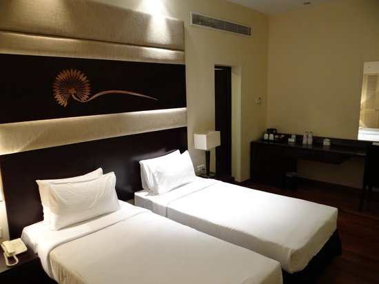 Renuka City Hotel: Tiny twin beds
