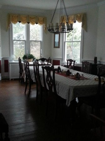 Inn on Poplar Hill : Dining room