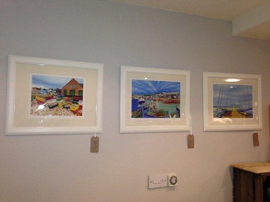 Elliott's at No 1 Harbour Street: Liz Kerton, local Artist displays her work - Colourful, vibrant interpretations of all Whitstabl