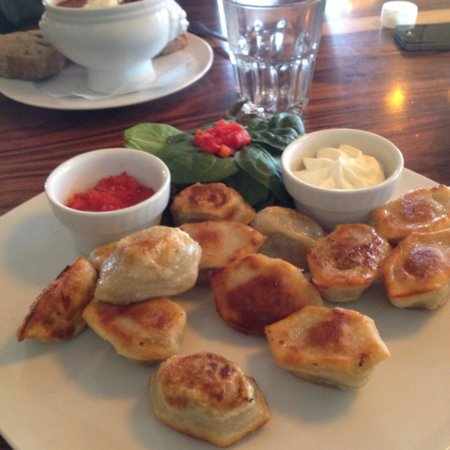 Cafe Datscha: Fried dumplings