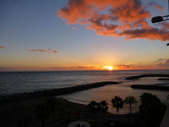 Savoy Calheta Beach : Sonnenuntergang Blick aus Hotelzimmer in der 5.Etage