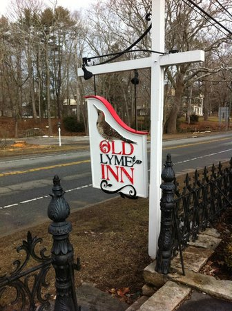 The Old Lyme Inn signpost