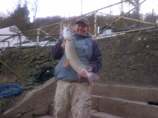 Ye Old Ferrie Inn: Perfect Pike (caught at the same time as the barbel)