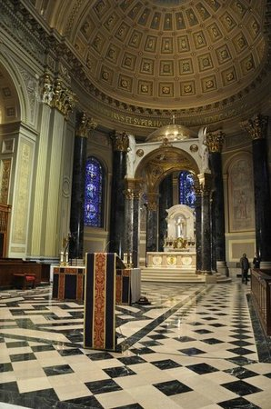 Cathedral Basilica of Saints Peter and Paul : Inside