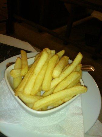 Mamma Mia Grill & Restaurant Kamala: frites